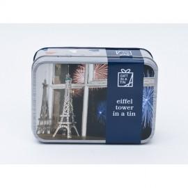 Torre Eiffel de mecano en una lata